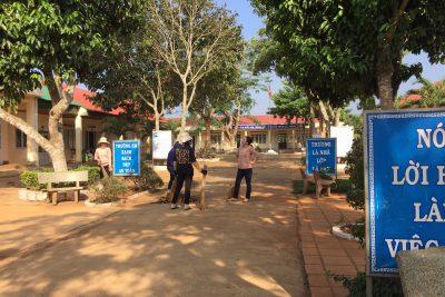 Công tác dọn vệ sinh đón học sinh đi học trở lại sau dịch Covid – 19
